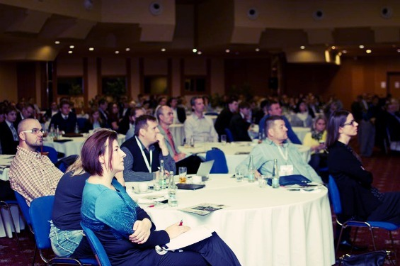 Publikum na konferenci o motivaci