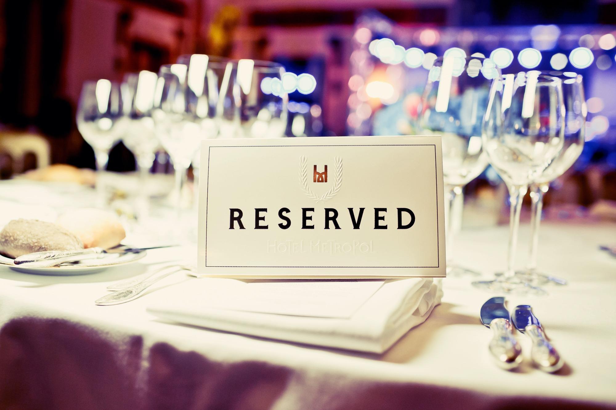 etiketa stolování