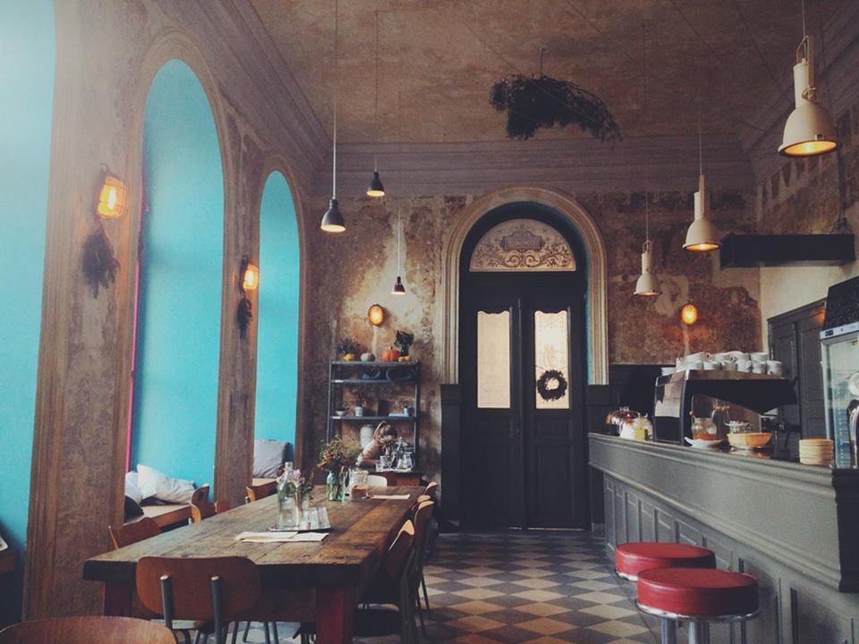 Cafe Letka, Letná
