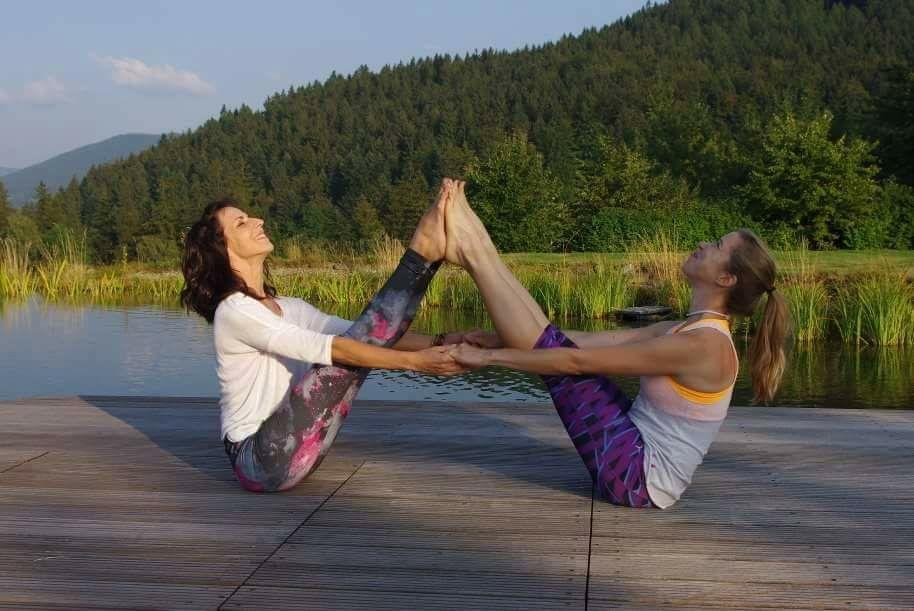 joga žen u vody