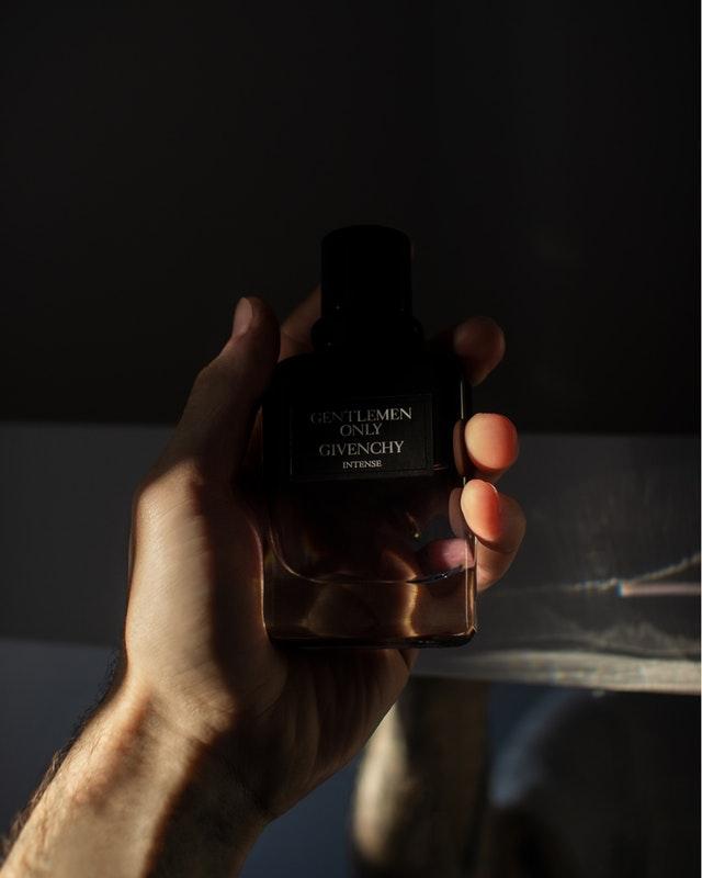 Toaletní voda, voda po holení, parfém pro gentlemany