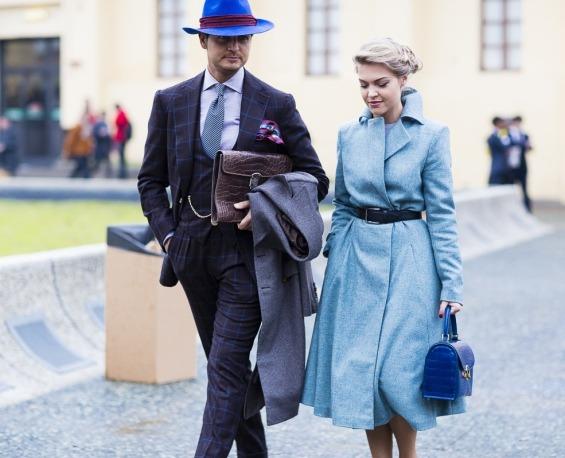 Eleonora Sebastiani, přítelkyně módní ikony Mr. Raro, vnáší do dámské business fashion jemnost a ženskost. Zdroj: jpmv.com