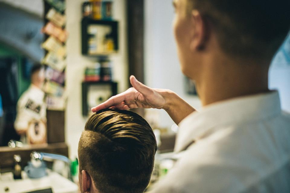 Local Barber shop pěšinka