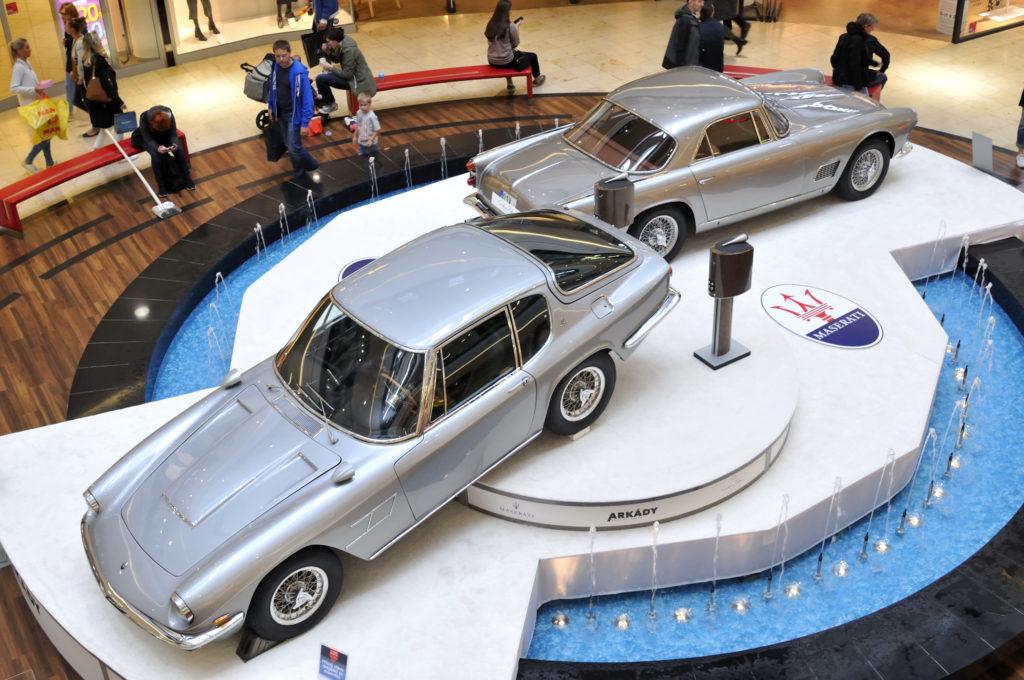 Výstava aut Maserati Arkády Pankrác