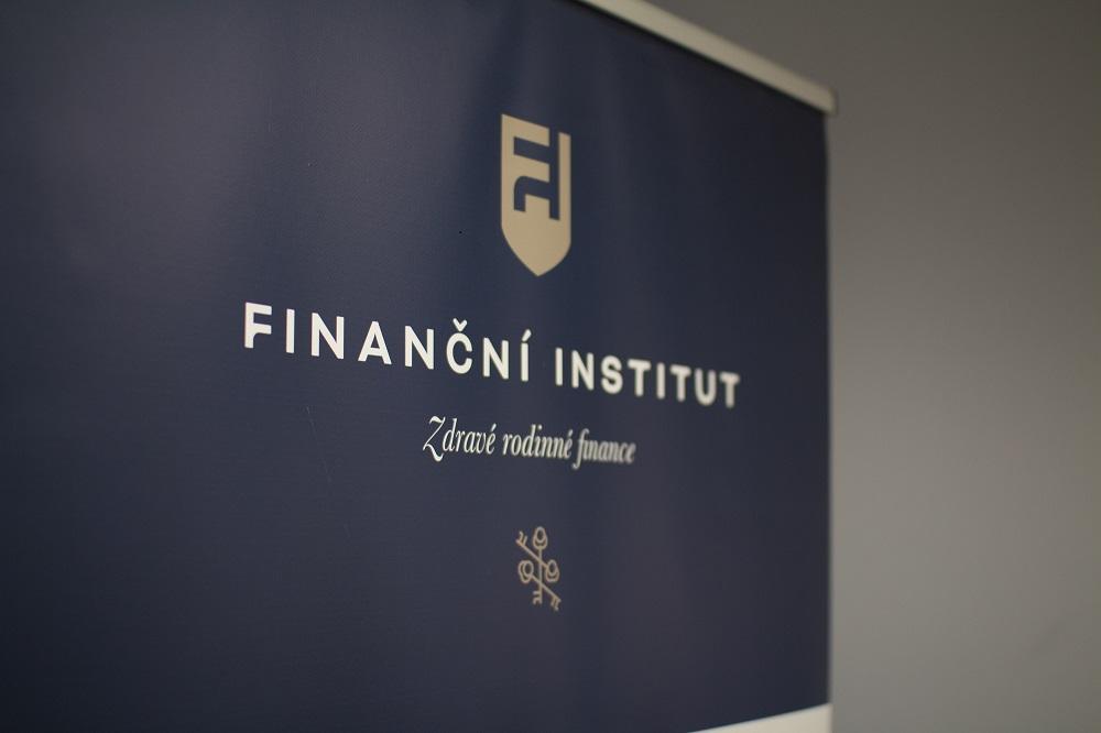 Finanční insitutu pomáhá lidem s financemi
