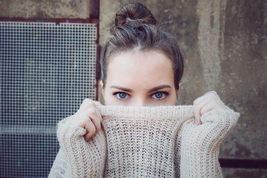 Oční kontakt jako nonverbální komunikace