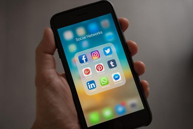 TOP 5 Sales influencer aneb koho sledovat? Sociální sítě